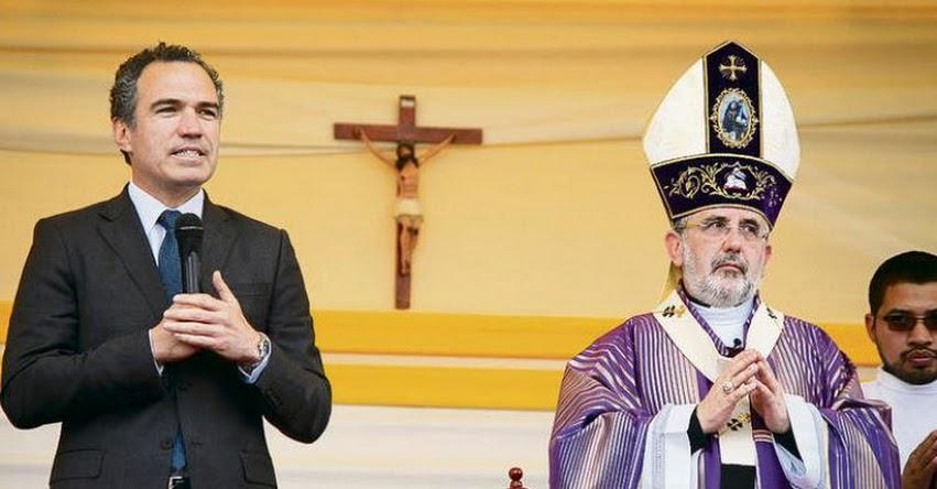 Universidad San Pablo vetó a Ministro de Cultura Salvador del Solar por discrepancias con Arzobispo