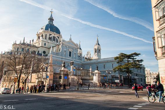 Catedral de la almudena. Ruta lowcost por Madrid