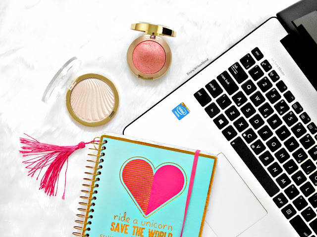 Beauty Flatlay, Inspiring Bloggers
