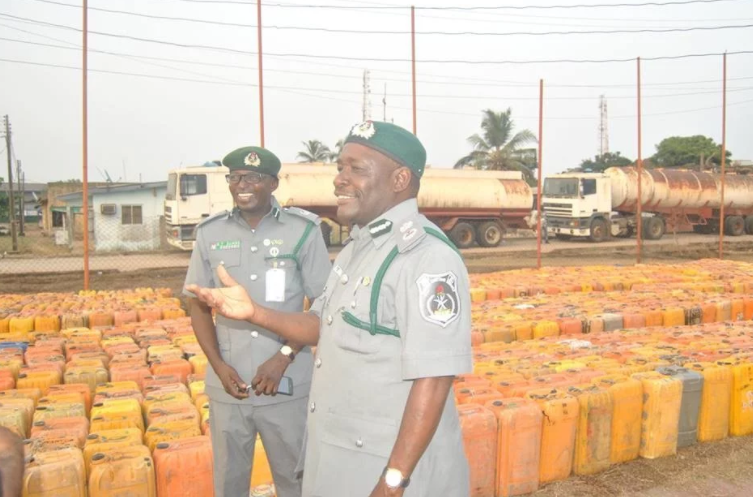 Nigeria Customs authorities seize 2.2K fuel gallons smuggled into the country