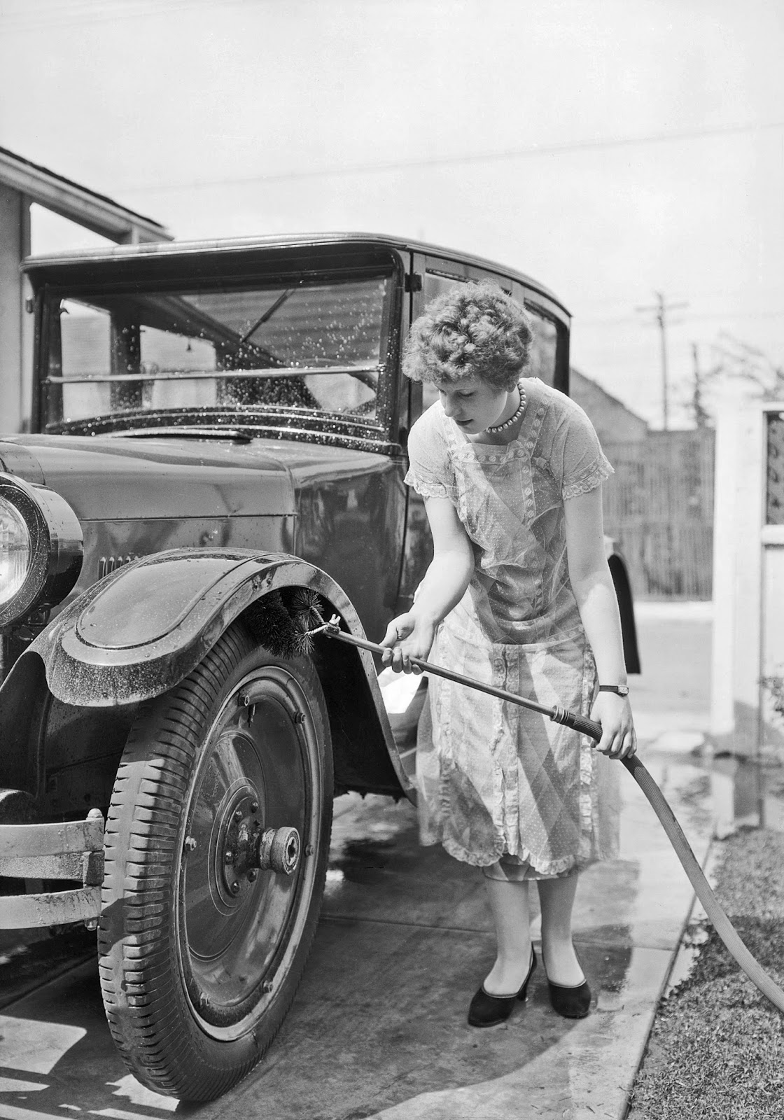 History in Photos: Vintage Photos of Vintage Cars