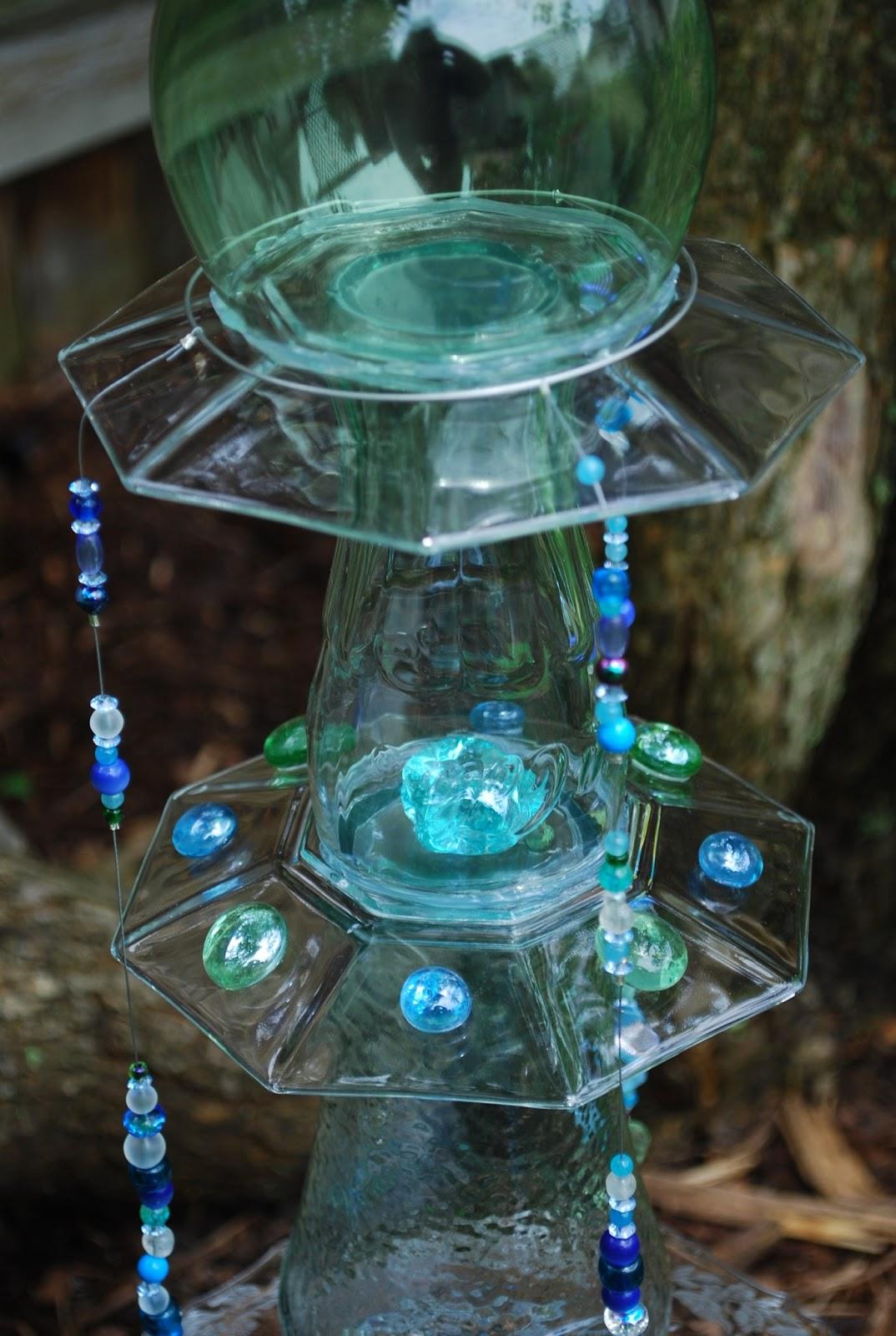 Kelly S Studio Time Art In The Garden Glass Totem