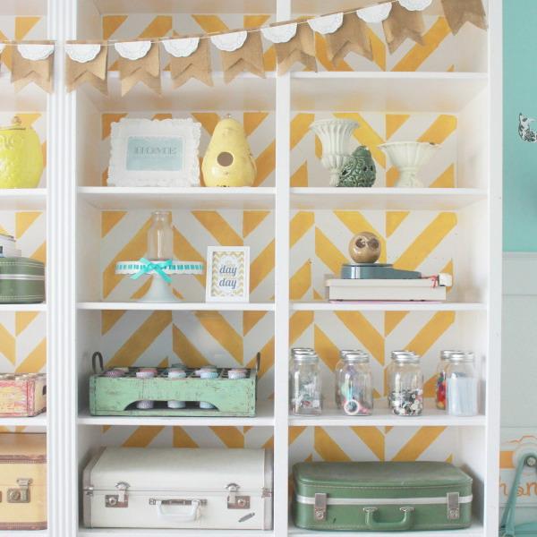 Papel pintado para renovar por completo tus muebles for Papel para decorar muebles
