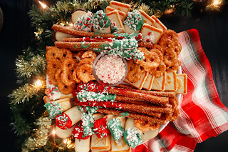 how to make holiday cookie trays