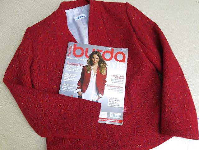 chaqueta de la portada revista burda style