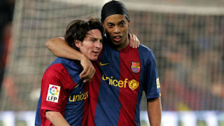 Ronaldinho: I would have loved to continue playing alongside Messi