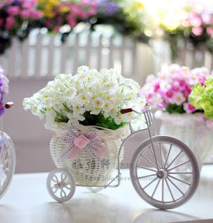 Kết quả hình ảnh cho giỏ hoa hình xe đạp
