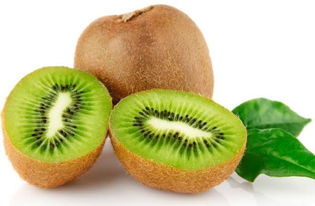 Konsumsi buah kiwi dan rasakan manfaatnya