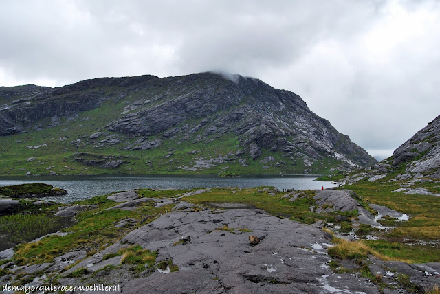Loch Courisk en isla de Skye, Escocia