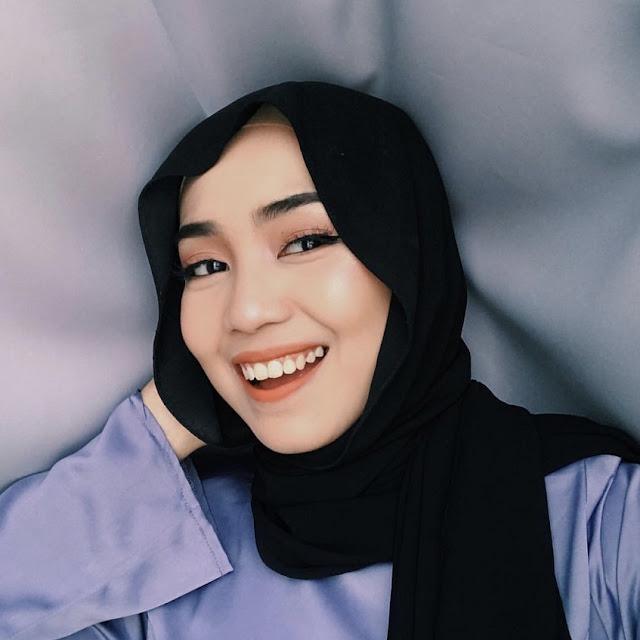 Personaliti Media Sosial Ika Shafarey