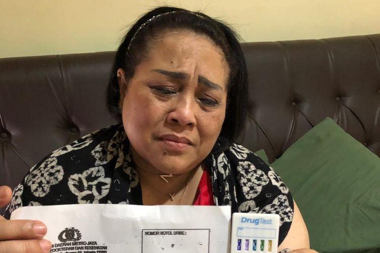 BREAKING NEWS: Pelawak Nunung Ditangkap Bersama Suaminya