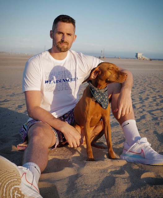 Kevin Love Age, Height, Net Worth, Wife, Girlfriend, Gay, Weight, Wiki, Family, How Old, Nba, Married, Kate Bock, Cody Horn, Mike, Cleveland Cavaliers, Lebron James, Klay Thompson, Wolves, Ucla, Russell Westbrook, Kyrie Irving, Nike, Minnesota Timberwolves, Lakers, Banana Republic