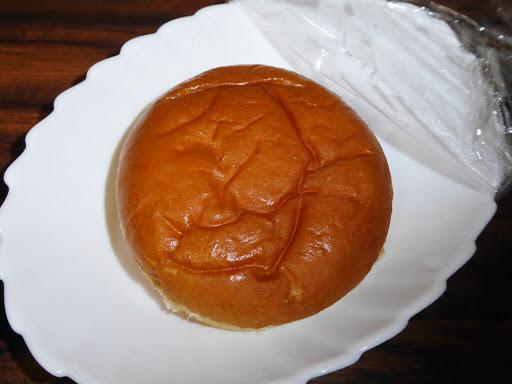 【ヤマザキ】ふっくらバーガー テリヤキソース&キャベツマヨネーズ風味