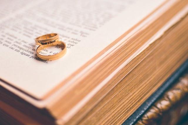 ¿Cual es el base de un matrimonio, la condición económica o el amor?