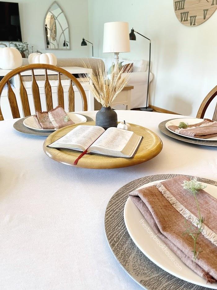 Simple fall tablescape
