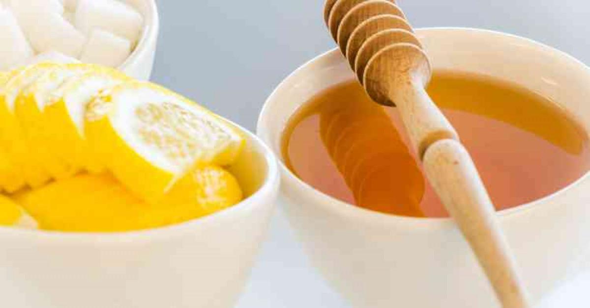الوصفة الثالثة: ماسك العسل مع عصير الليمون لتفتيح البشرة سريع المفعول