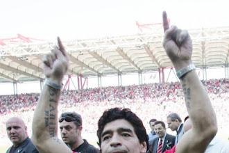 Θλίψη στο παγκόσμιο ποδόσφαιρο - Πέθανε ο Ντιέγκο Μαραντόνα