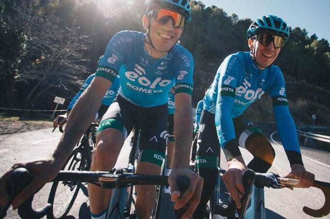El Eolo - Kometa Cycling Team entrena en el levante español