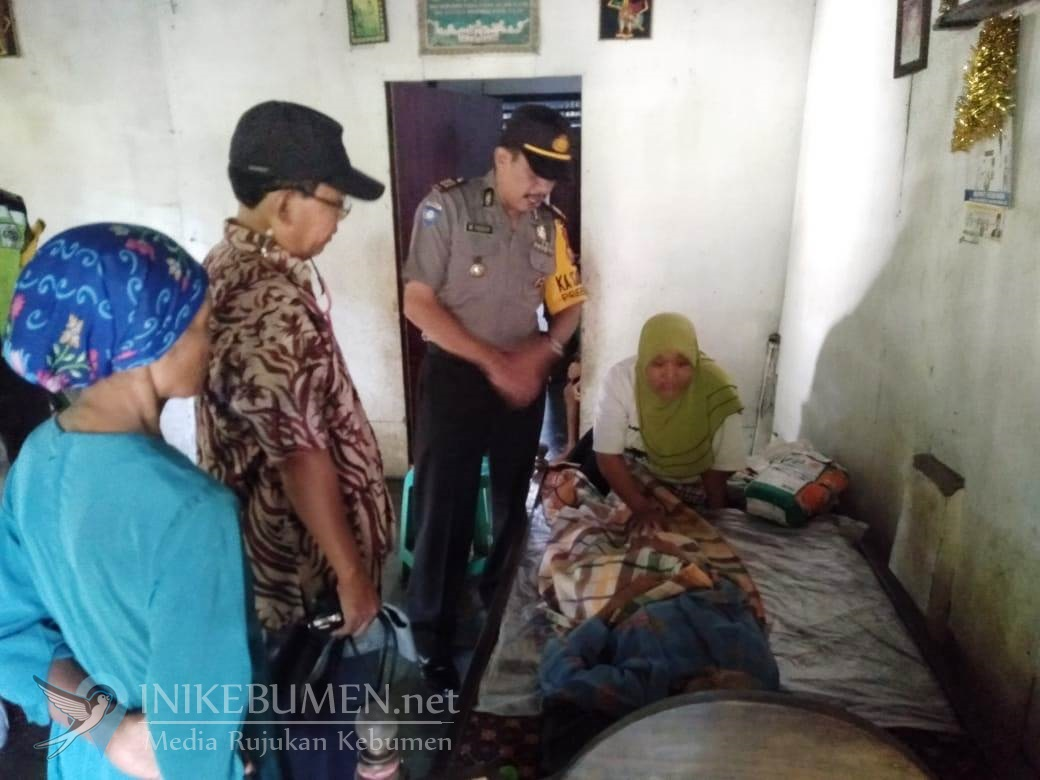 Miris! Sakit, Nenek Renta Warga Klirong ini Harus Rawat Empat Anaknya yang Difabel