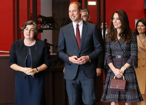 Kate Middleton wore Chanel coat dress from RTW Spring/Summer 2017 Pre-Collection and Tod's Fringed Leather Pumps. The Duchess carrying a Chanel bag