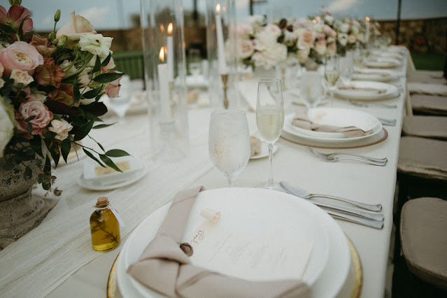 table settings with favor and napkin