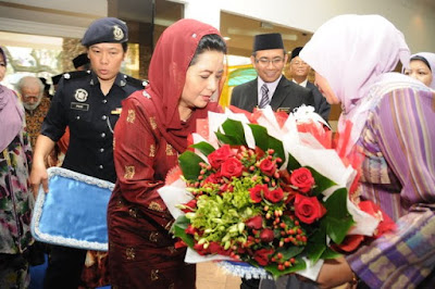 Image result for raja zarith sofiah canselor UTM