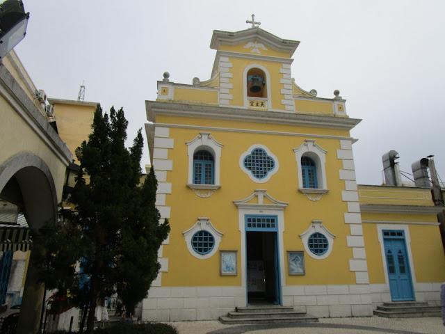 コロアンビレッジ フランシスコザビエル教会