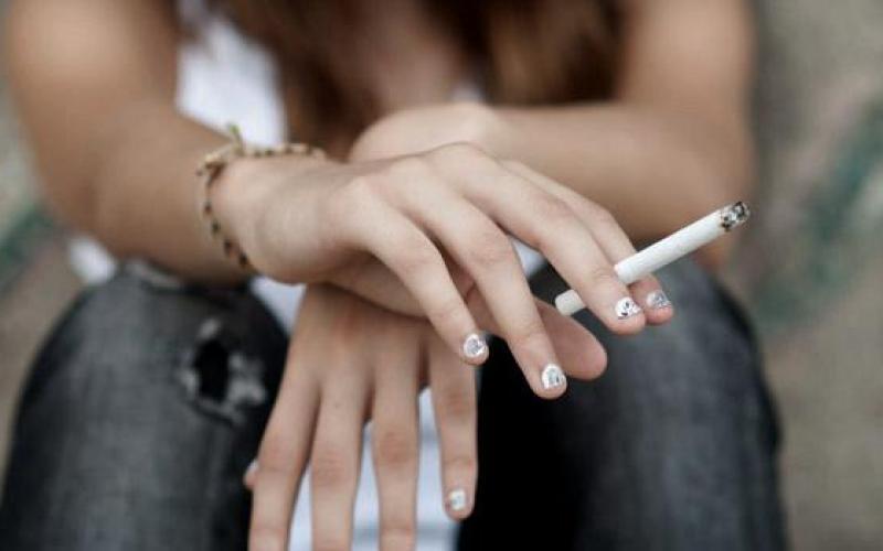 Έρευνα: Πρώην και «λάιτ» καπνιστές δεν γλιτώνουν τη ζημιά στους πνεύμονες