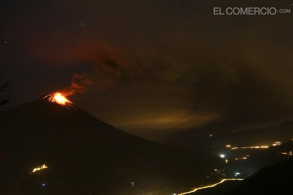Eruption du volcan Tungurahua, 05 mars 2015
