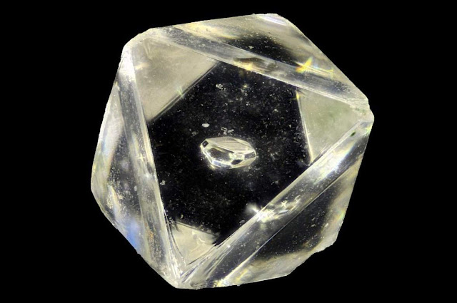 Discovers Unusual New Mineral Inside a Diamond