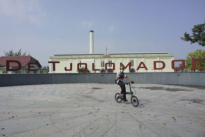 Destinasi pertama adalah landmark De Tjolomadoe