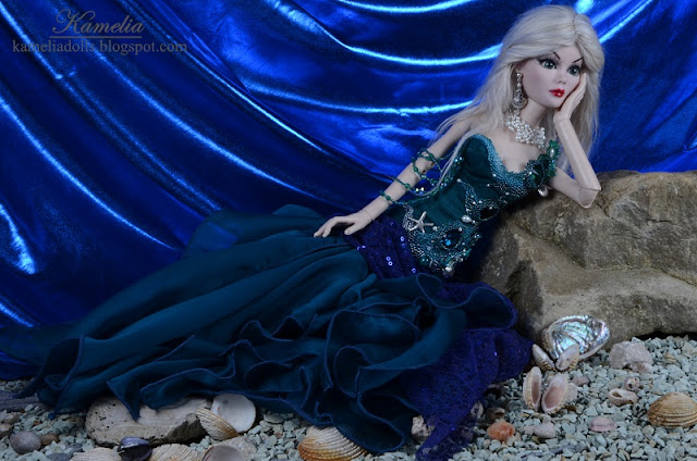 Queen of the seas doll dress
