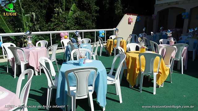 Toalhas de tecido para as mesas dos convidados
