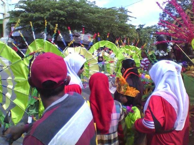 pernak pernik SD Negeri Tingkis karnaval Singgahan Tuban 2014