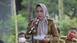 Bupati Winarti Hadiri Launching  Penyerahan Bantuan Bedah Rumah Gelombang Ke-5