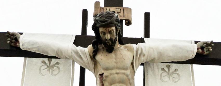 """Santo Cristo """"del Desenclavo"""". Real cofradía de Minerva y Vera Cruz. León. Foto G. Márquez."""