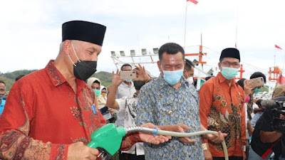 Gubernur Mahyeldi Resmikan SPBN Tarusan, Nelayan Bisa Lebih Produktif