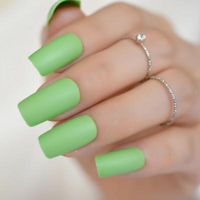 Unhas Diferentes tonalidades de verdes