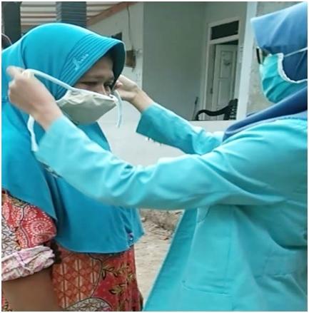 KKN di Kebumen, Windi Mulyani Berhasil Membuat Handsanitizer