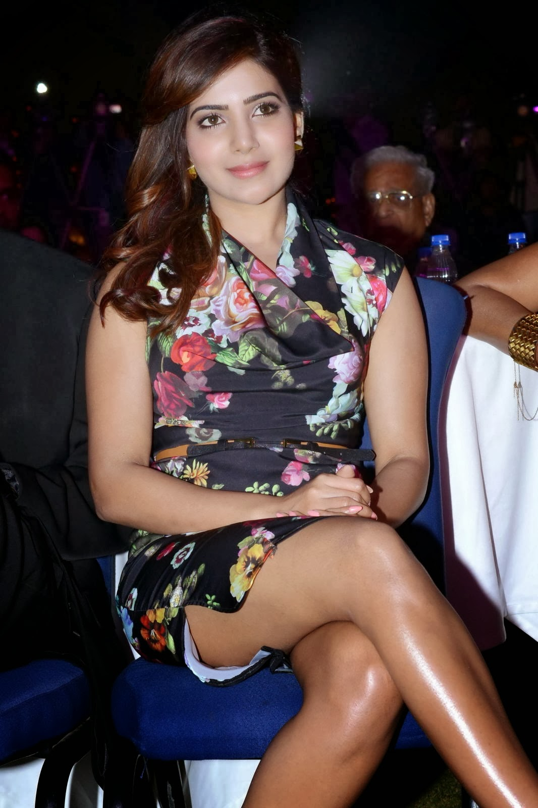 Samantha  Hot Thigh Show Photos In Short Dress