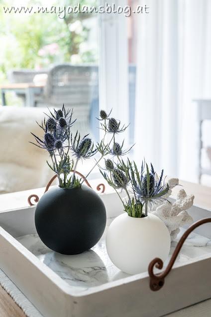 Blumendekoration im Wohnzimmer