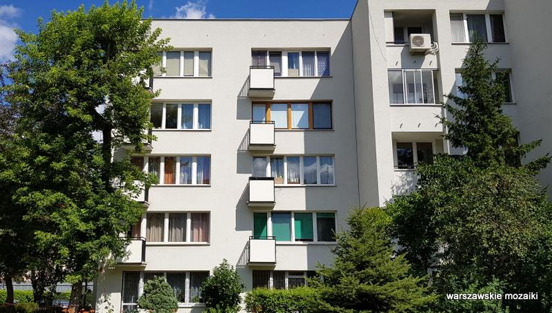 balkon modernizm warszawski Warszawa Warsaw Śródmieście zieleń rzeźby wazy Halina Skibniewska mister warszawy 1974 architektura architecture