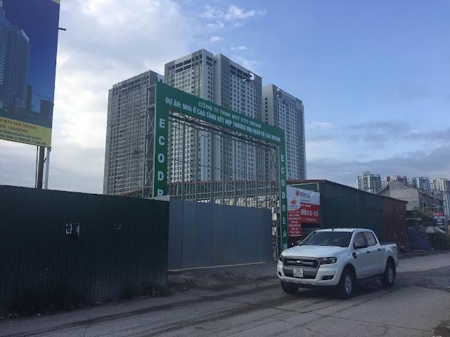 Cổng công trường xây dựng chung cư Eco Dream