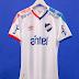 Umbro divulga a nova camisa titular do Nacional do Uruguai