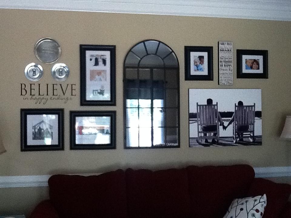 Decorating Junkies: Wall Arrangements