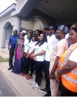 2face and wife donate relief materials to Makurdi flood victims