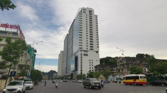 Khách sạn xây vượt 5 tầng ngay giữa trung tâm TP.Hạ Long