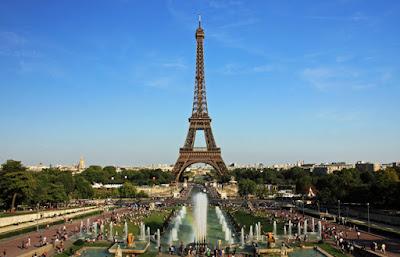 NonOmnisMoriar Wikimedia - Matéria Torre Eiffel - BLOG LUGARES DE MEMÓRIA