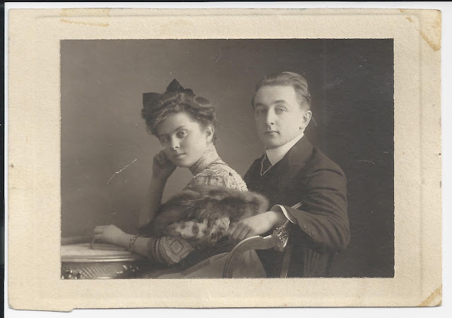 Thomas de Hartmann and his wife Olga at around the time of their wedding in 1906: