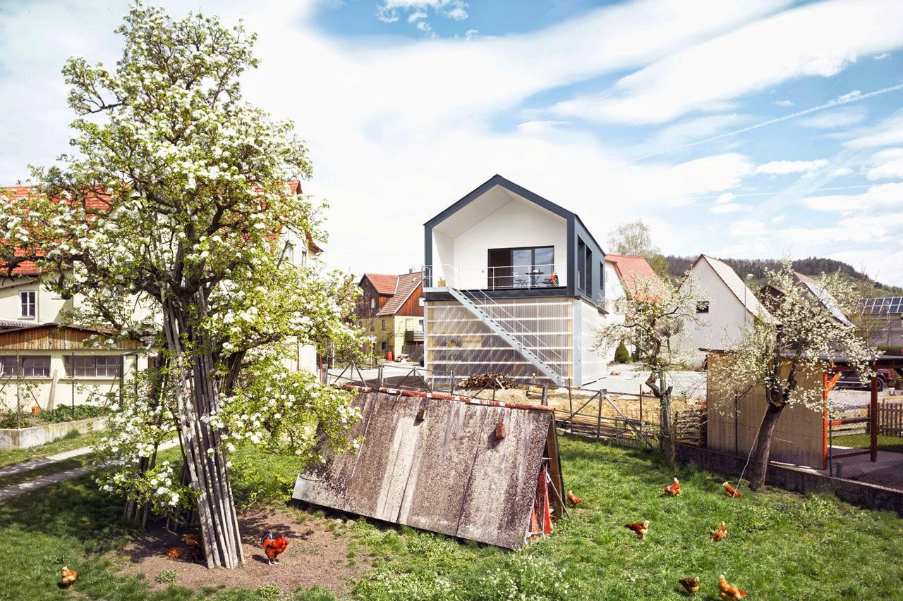 Die wohngalerie minimalistisches haus um einen unimog for Minimalistisches haus